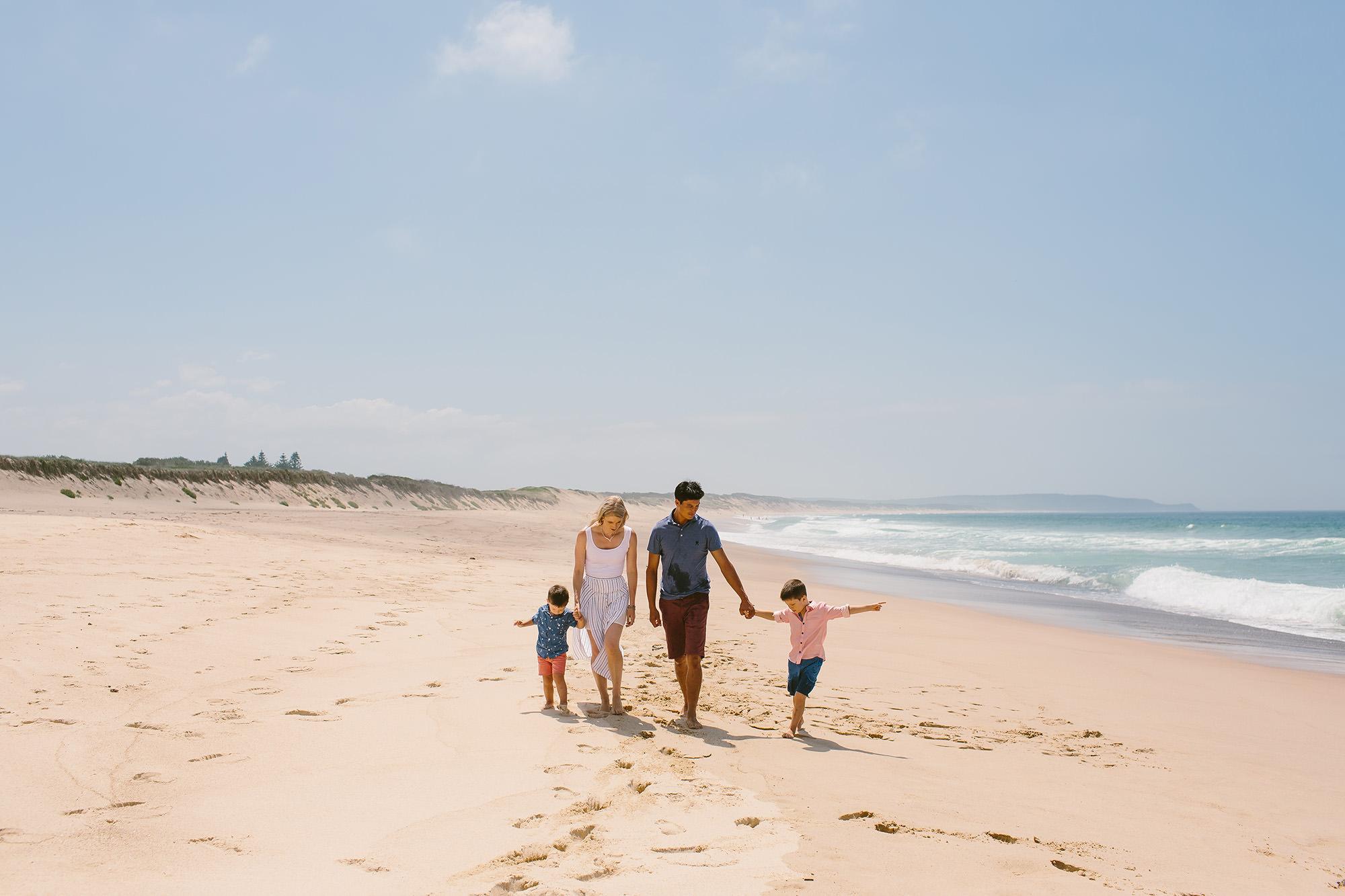 budgewoi family beach photographer